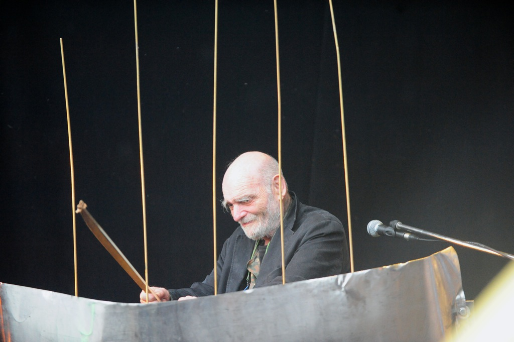 klangbad-bob-rutmans-steel-cello-ensemble-im-bild-bob-rutman-2