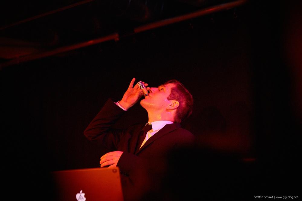 Andreas Dorau und Band im Januar 2012 bei einem Konzert im Merlin in Stuttgart im Rahmen des Pop-Freaks-Festival