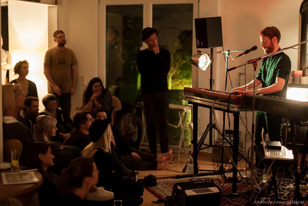 ENNO BUNGER, 23.10.2014, Wohnzimmer, Stuttgart