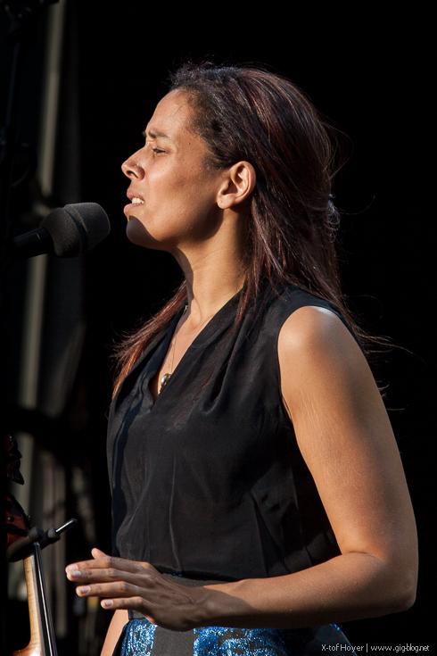 RHIANNON GIDDENS, 11.07.2015, Jazzopen, Schlossplatz, Stuttgart