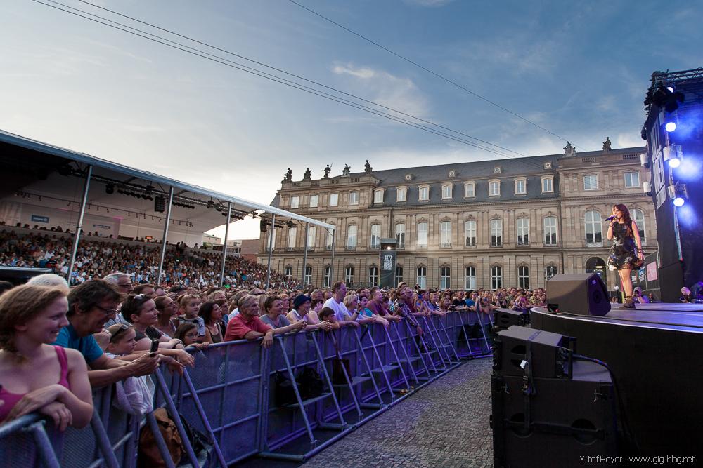 ZAZ & FRIENDS mit SWR BIG BAND, 11.07.2015, Jazzopen, Schlossplatz, Stuttgart