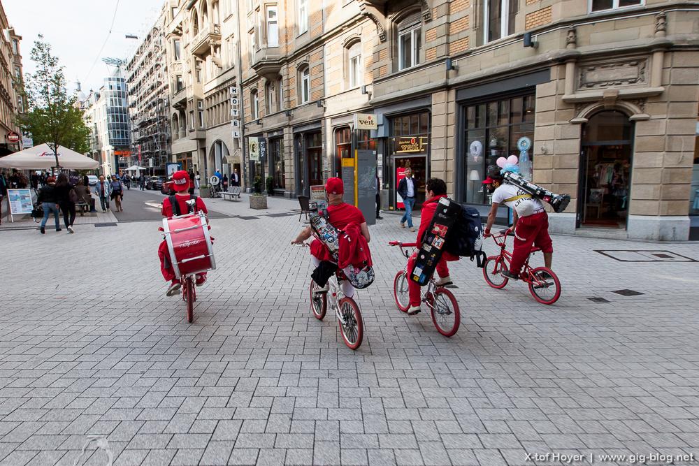 MOOP MAMA, 25.05.16, diverse Guerilla-Gigs, Stuttgart