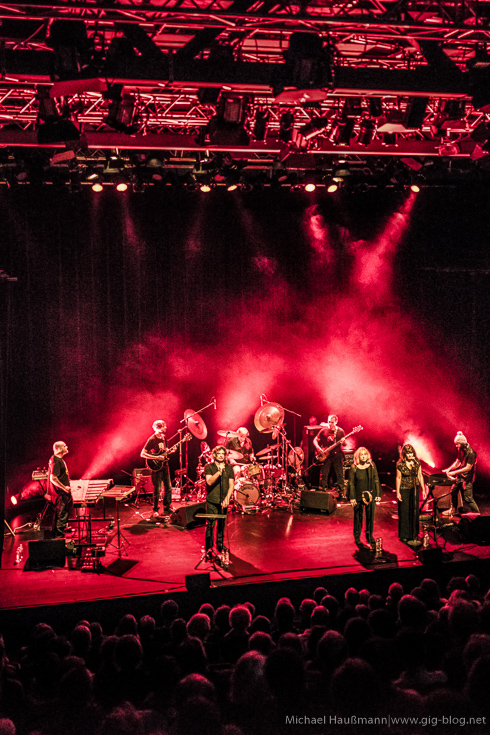 Konzertbericht vom Konzert von MAGMA am 17. Oktober 2016 im Theaterhaus, Stuttgart. Text: Lino, Fotos: Michael Haußmann