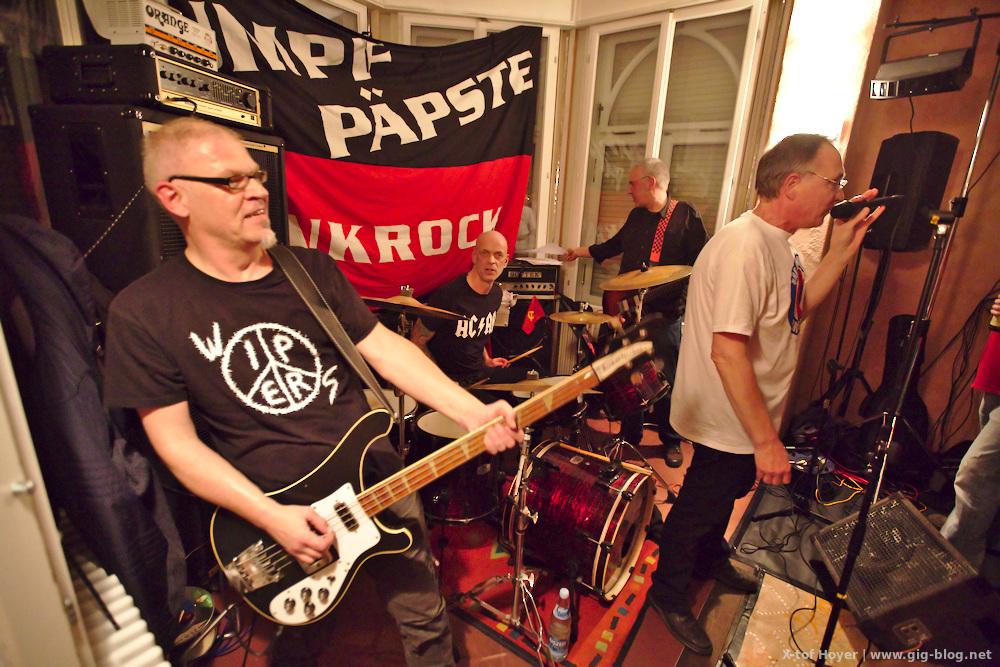 Konzertbericht: 30 JAHRE SUMPFPÄPSTE & FREUNDE, 15.10.2016, Jugendhaus Bastille, Reutlingen