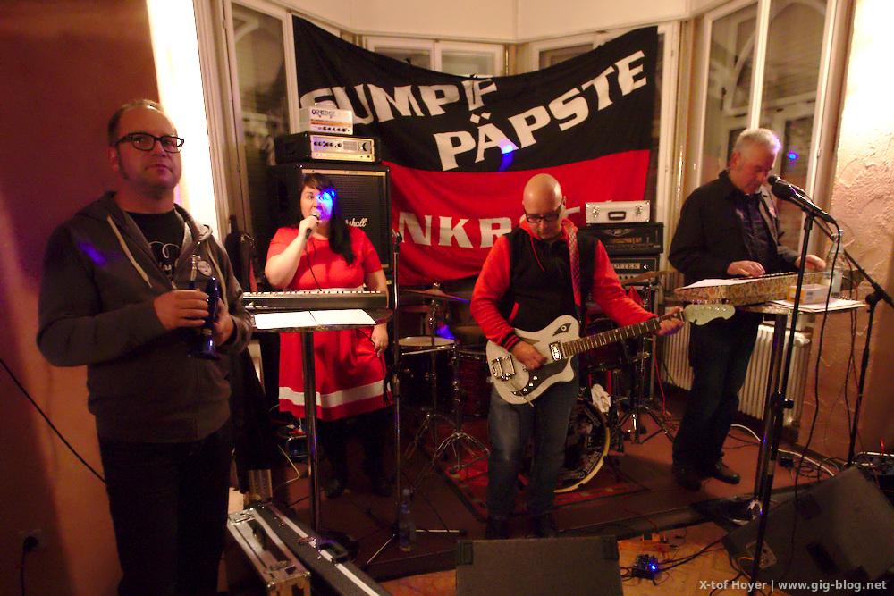 Konzertbericht: Stragula, 30 JAHRE SUMPFPÄPSTE & FREUNDE, 15.10.2016, Jugendhaus Bastille, Reutlingen