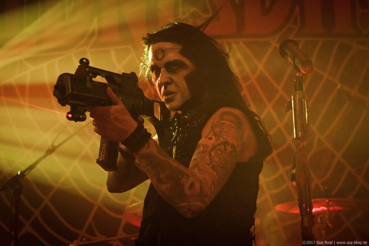 Wednesday 13, 09.11.2017, Das Cann, Stuttgart – © 2017 Sue Real / gig-blog.net